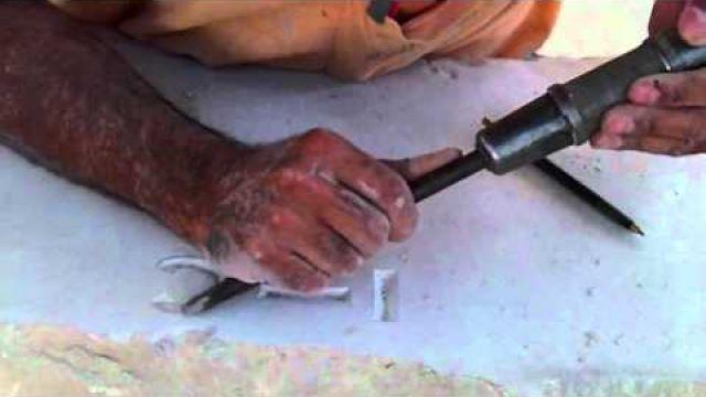 Grabar letras en piedra